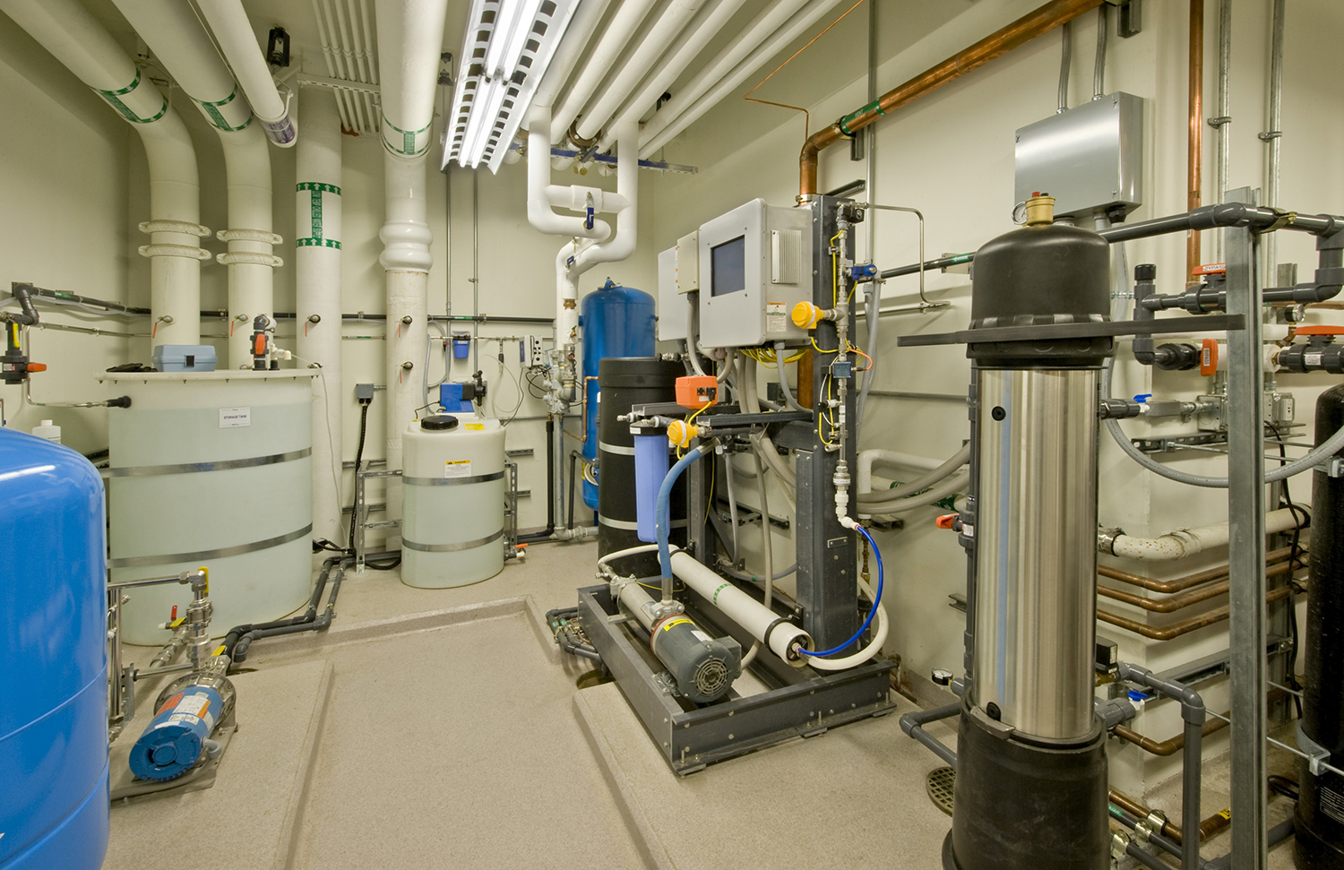 Water purification system for a research laboratory